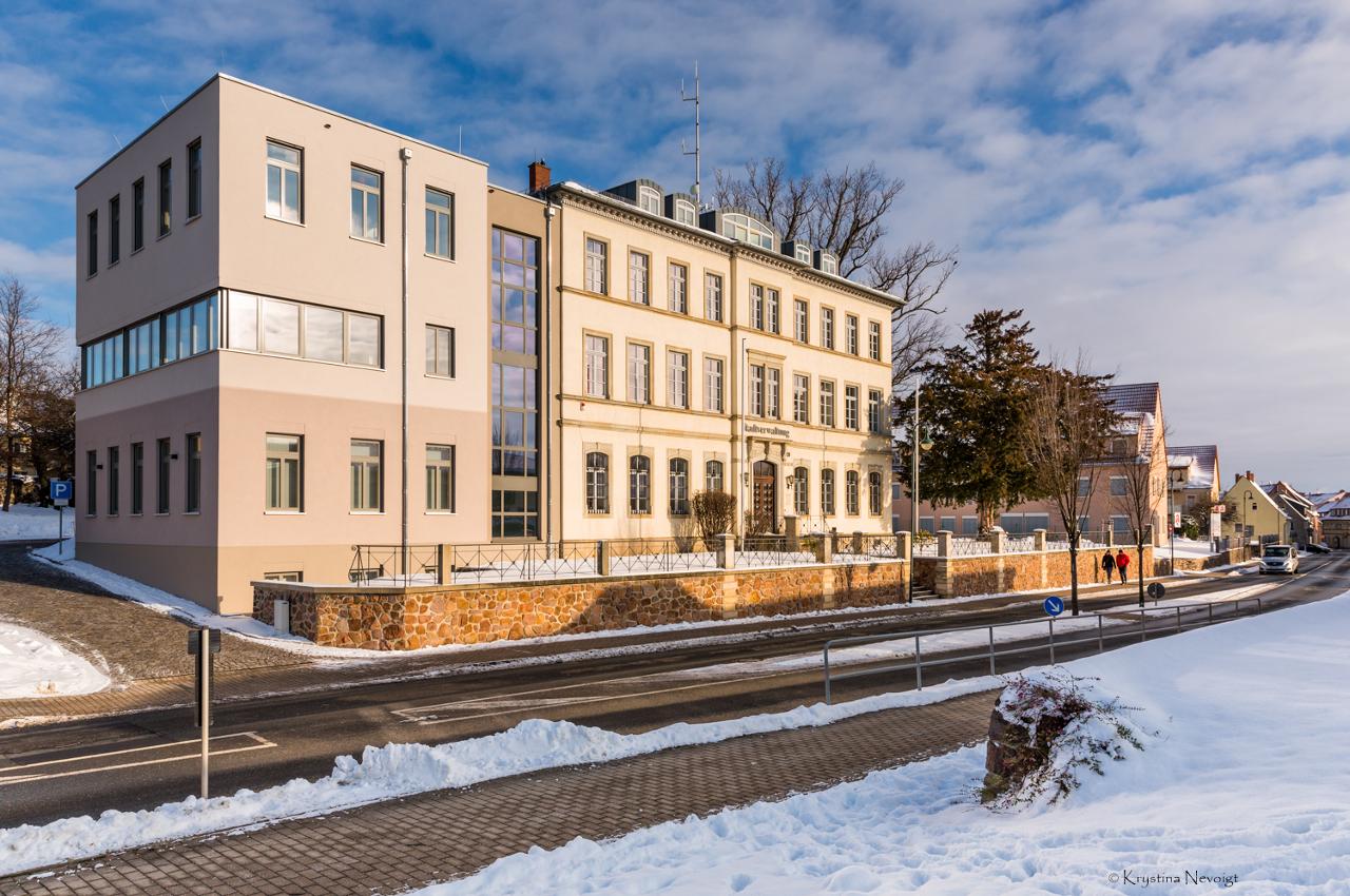 Frontbild Verwaltung Winter_skaliert.png